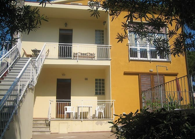 NICE APARTMENT TWO MINUTES WALKING FROM SEASIDE