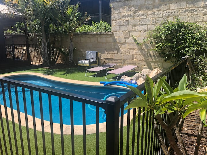 Resort lifestyle in the heart of East Fremantle.