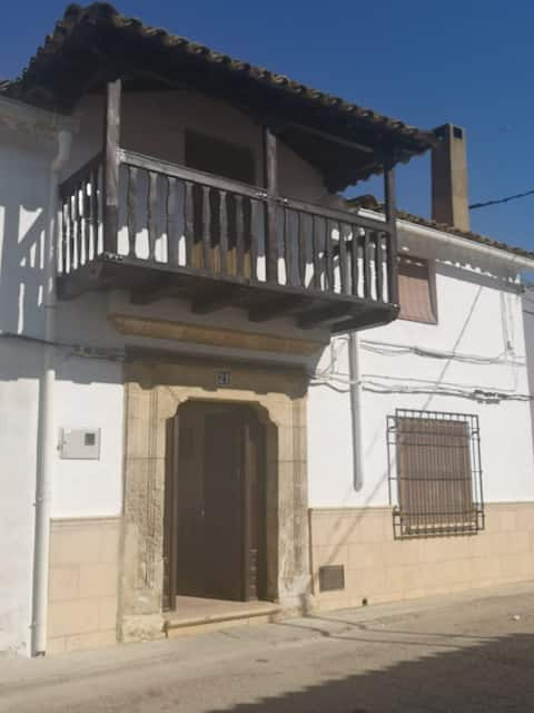 Agradable casa de pueblo con chimenea interior