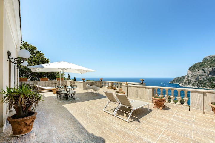 Attico Quattro Colonne, Capri
