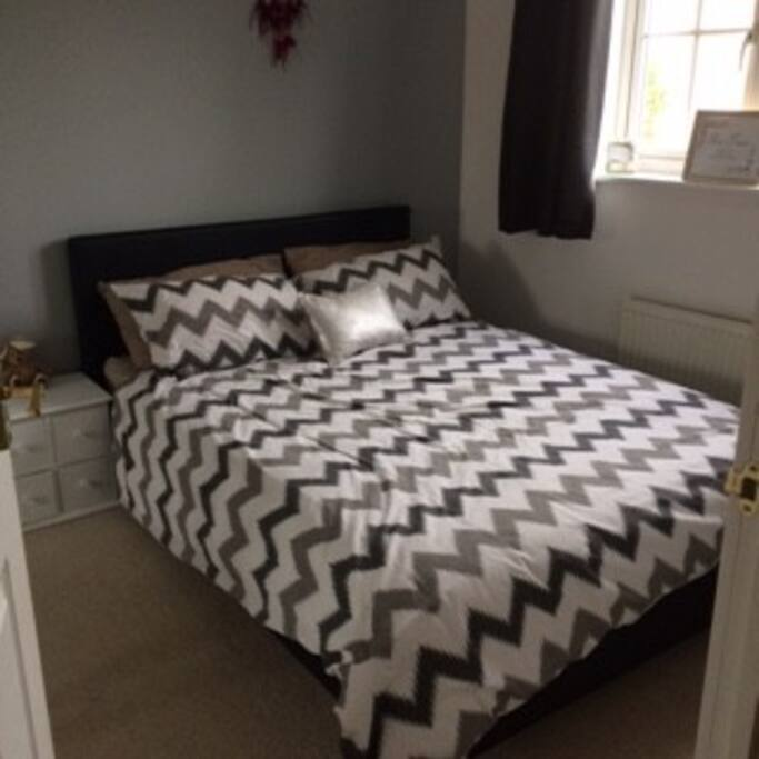 Hatfield Room To Rent For Couples