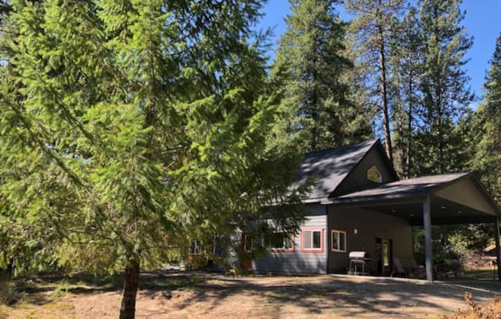 Tranquil Nature Retreat on 12 acres!
