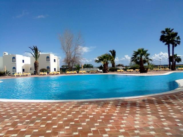 Apartamento em resort Golden Club