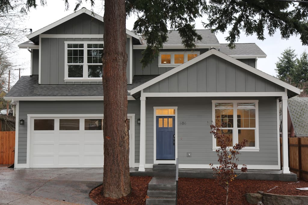 Spacious downtown hood river near park 5 bedroom for 5 bedroom homes near me