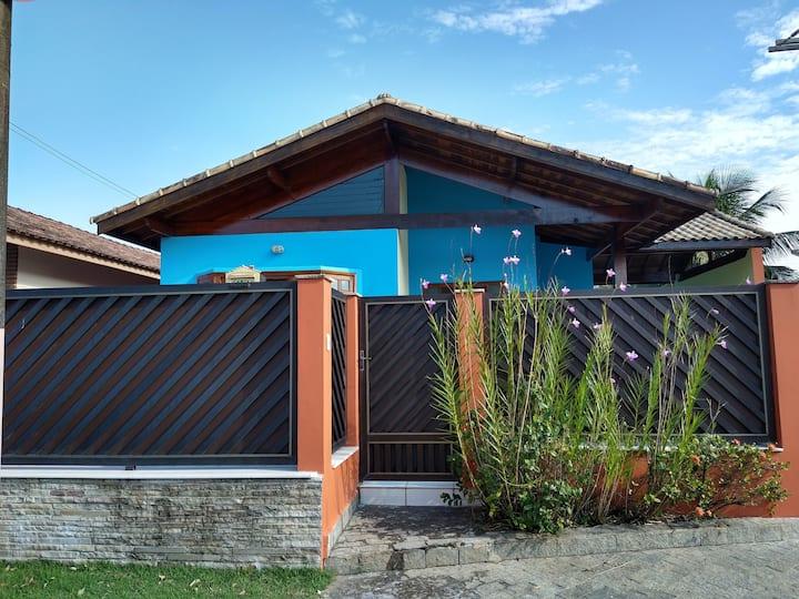 Casa aconchegante, Piscina, Churrasq. em Peruíbe