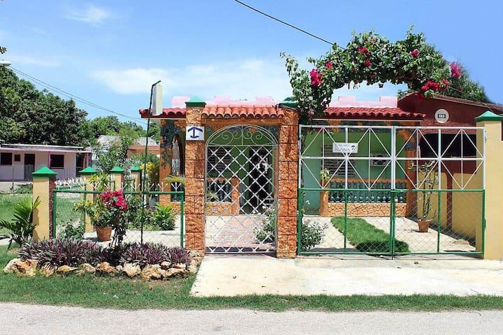 Hostal Avenida del Sol (Habitación 2) - La Boca - Aamiaismajoitus