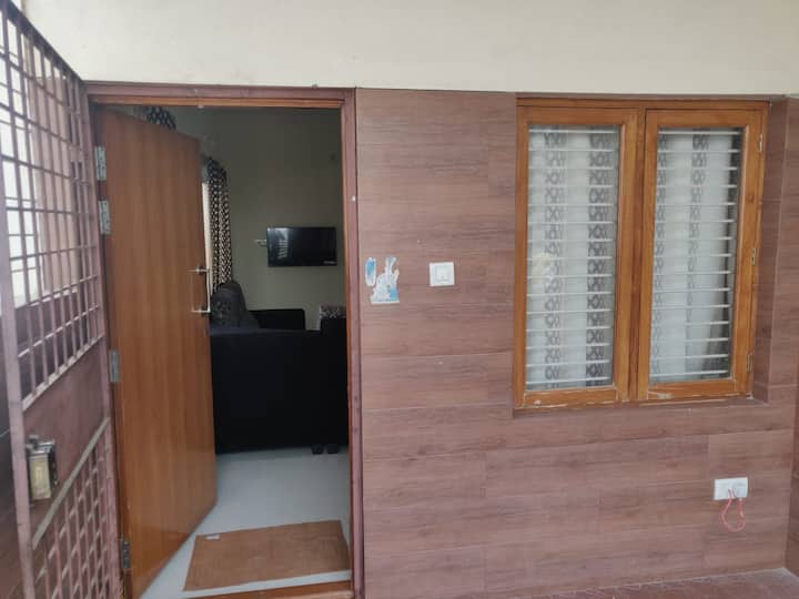 Independent 1 bhk house-Kitchen-Wifi-Bangalore