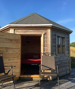 The Octopod - Private camping with home comforts