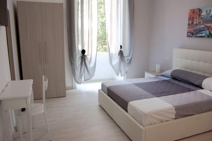 Cosmopolitan - Roma Termini Suites 4