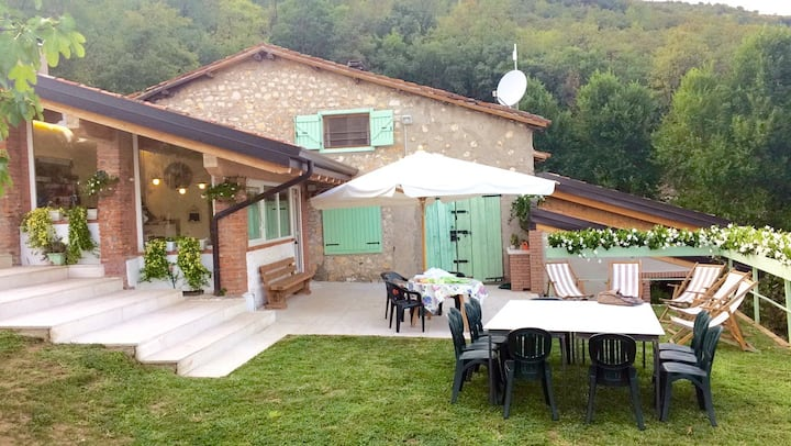 Family-friendly, rural farmhouse – Agriturismo Caranatura