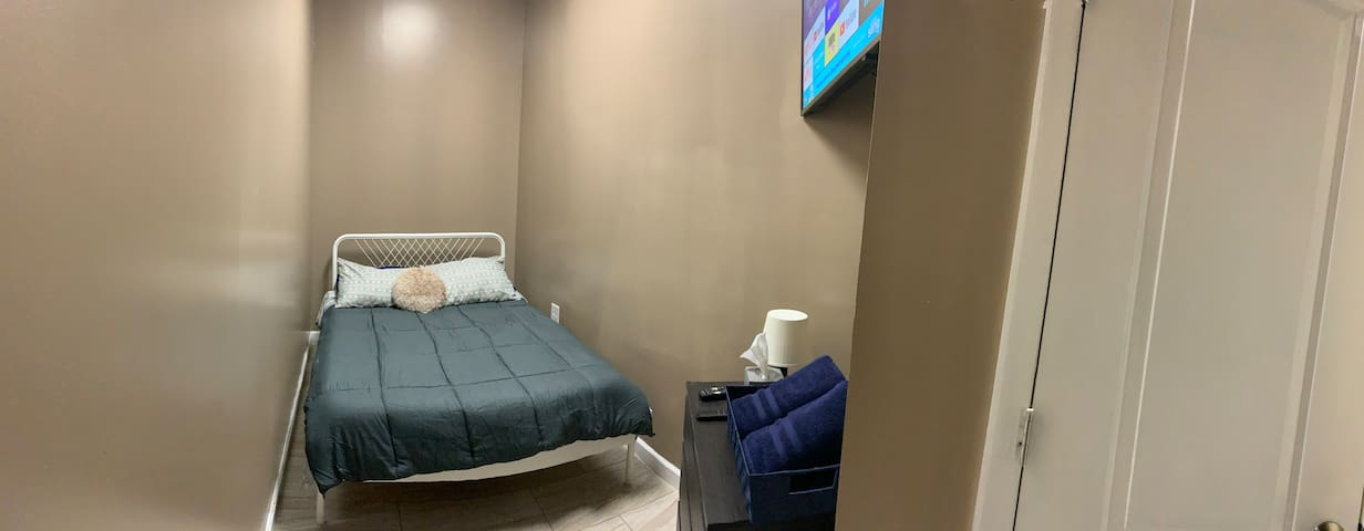 JFK LUXURY BEDROOM # 2