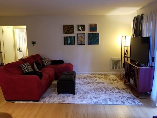 Beautiful Apartment near Lake Merritt with parking