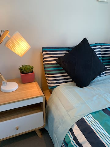 Nicole's share apartment CBD Melbourne - Bedroom 2