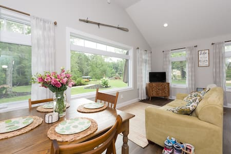 Mullica River Cottage - Waterfront in Sweetwater
