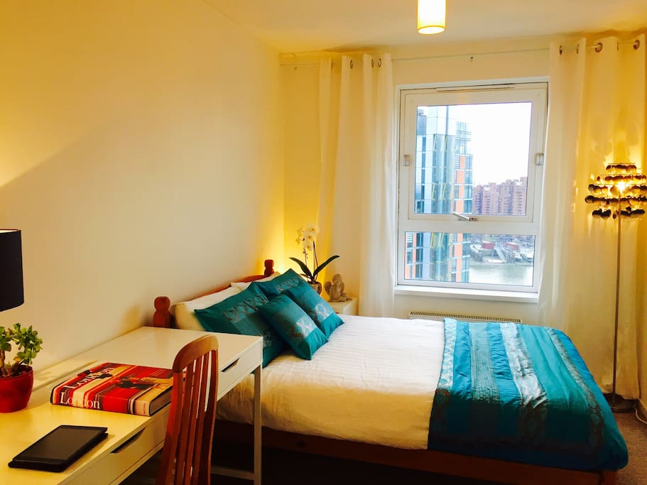 A Fresh Clean and very comfortable double bedroom with views of the river, chelsea barracks and wembley stadium
