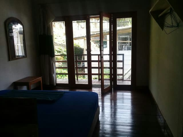 Pirlly home stay