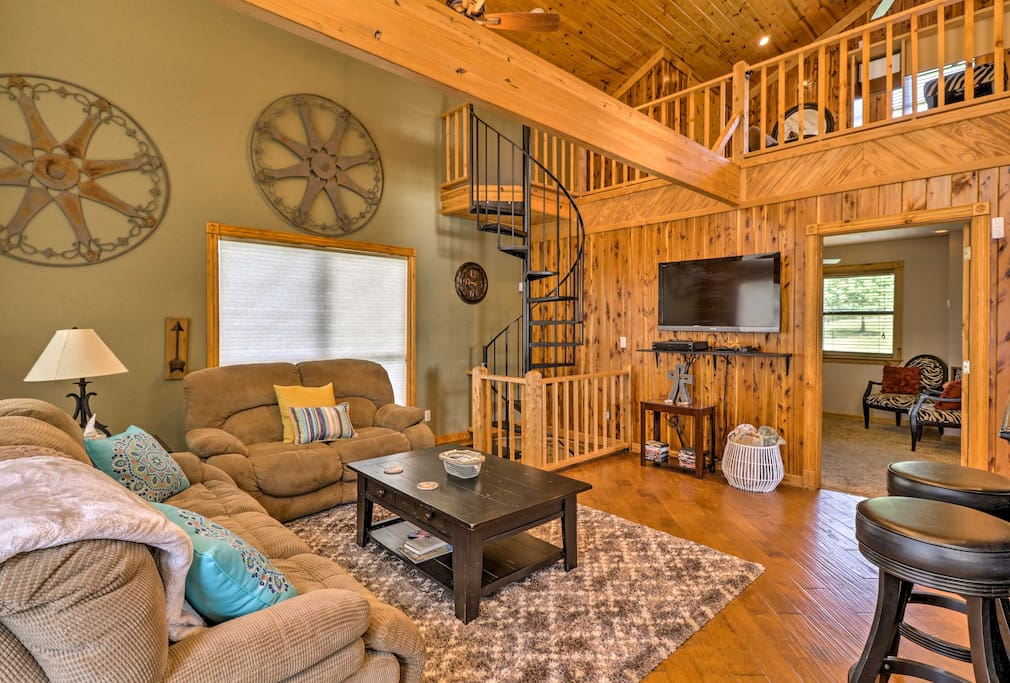 This 1-bedroom, 2-bath home boasts 2,000 square feet of open living space.