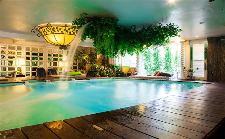 Indoor Pool Near Siam MBK BTS Rajathewee Station - Bangkok - Hotel boutique