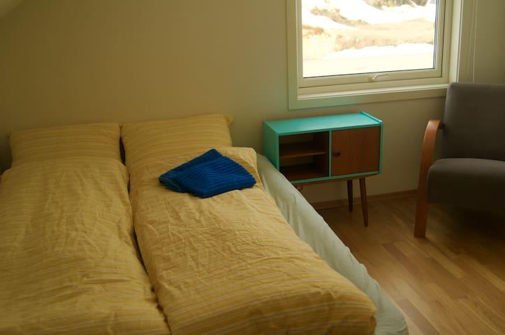 Private room in modern house - Svolvær, Lofoten