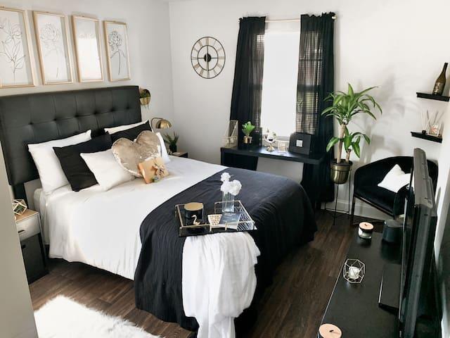 Quiet & Cozy Private Room In Condo | Metro Atlanta