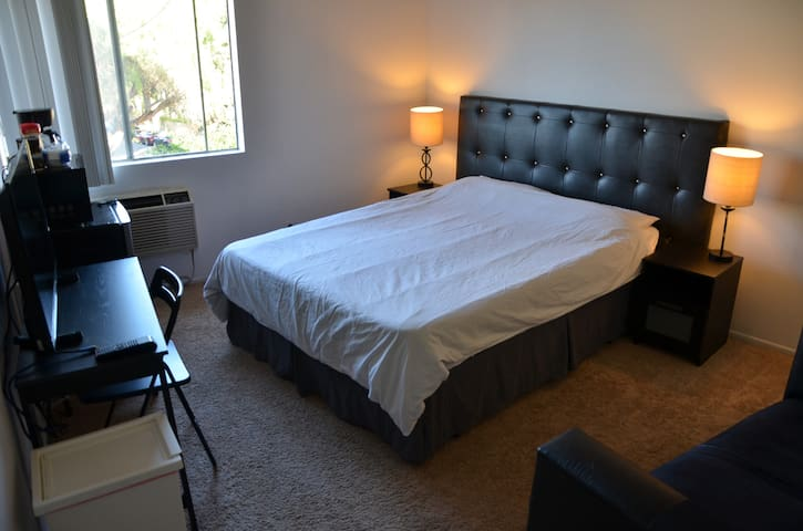 Studio in Sherman Oaks - Los Angeles - Pis