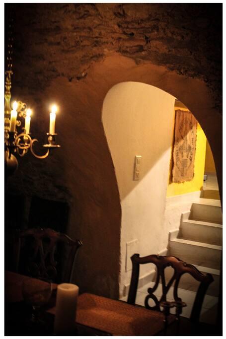 Trappa från matsalen upp till köket. Stairway from dining room to the kitchen.