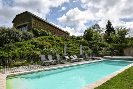Lovely Farmhouse with Private Swimming Pool in Terrou