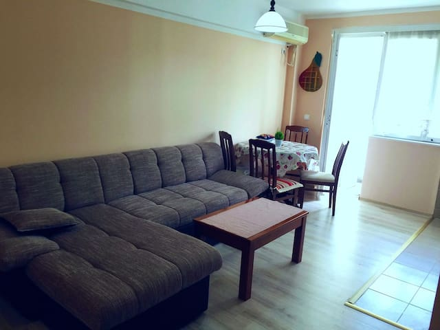 Center of town, 40 m2, internet, tv, ...