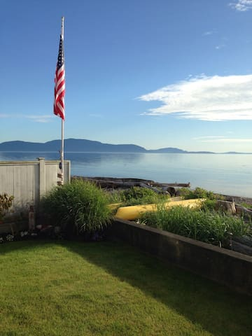 Waterfront Craftsman home with Kayaks & BBQ - Ferndale - Ev