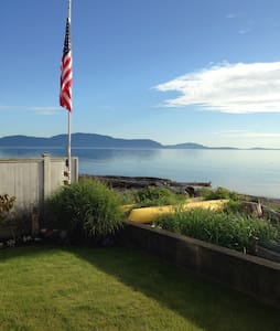 Waterfront Estate at Sandy Point with Kayaks & BBQ - Ferndale - Dom