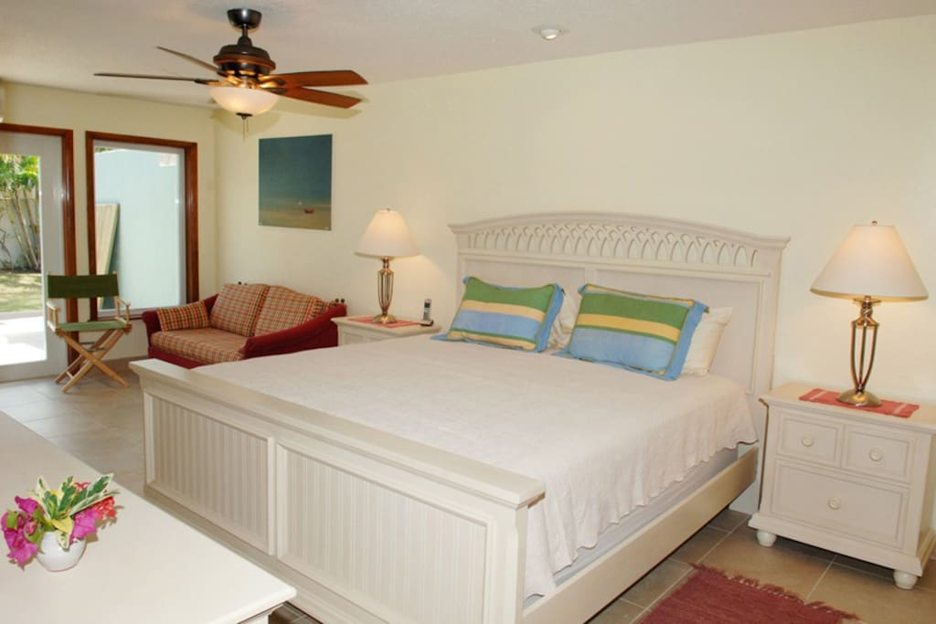 King Bedroom. A/C, Cable TV, Private patio, Bathroom