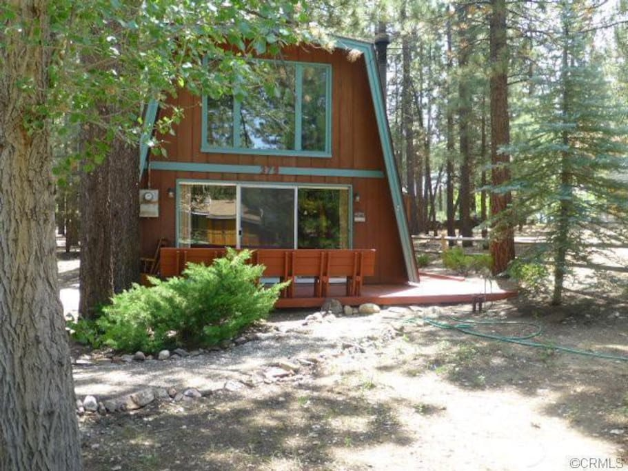 Walking distance to the lake cabins for rent in big bear for Cabins for rent in big bear lake ca
