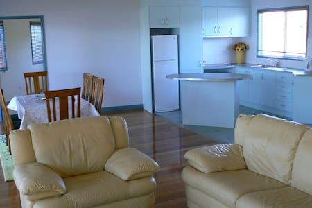 Sandy Point Beach Escape 2 Bed Apt - Appartamento