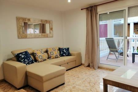 Wonderful clean 10 sleeper House at Daimus Beach.