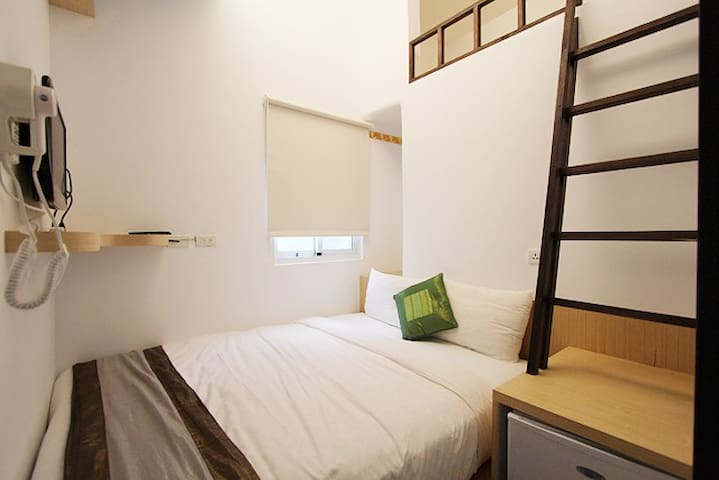 墾丁旅店-SHARED BATHROOM DOUBLE BED-202