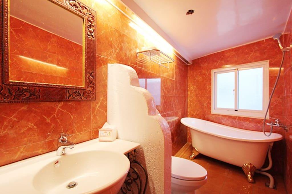 301 溫馨二人房 衛浴