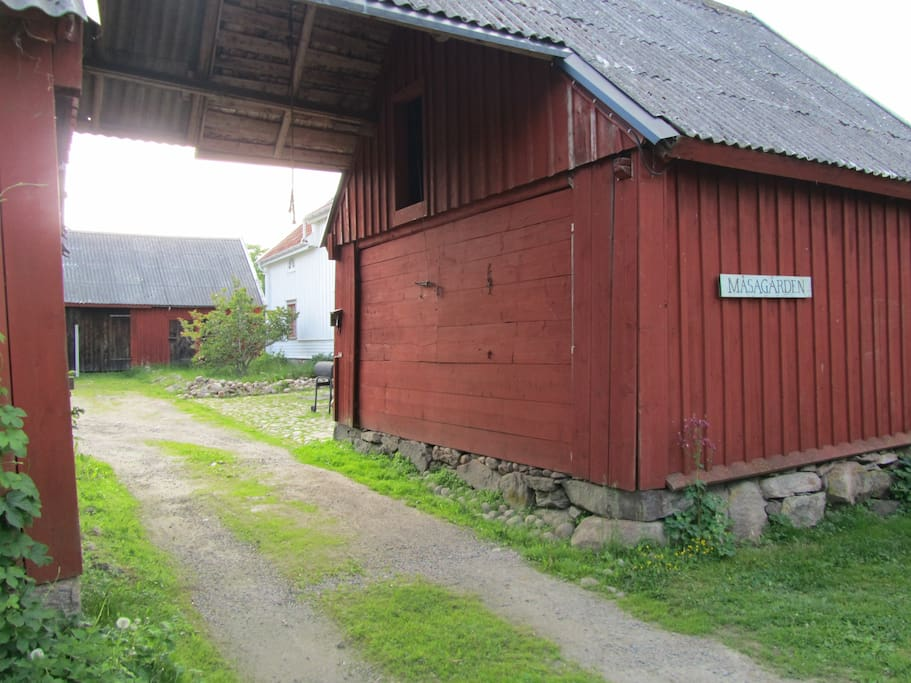 Entré till kringbygd gård från 1846