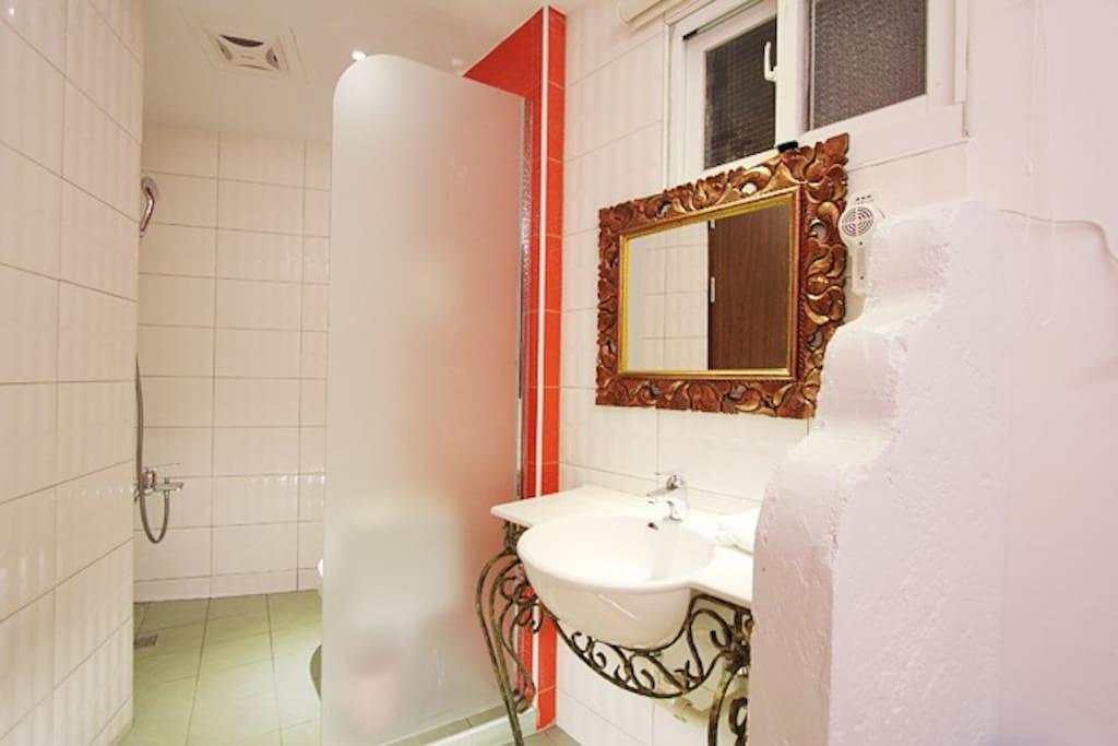 105 溫馨二人房 衛浴