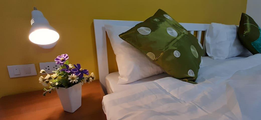 Sala Bua Room - Standard Comfort Room
