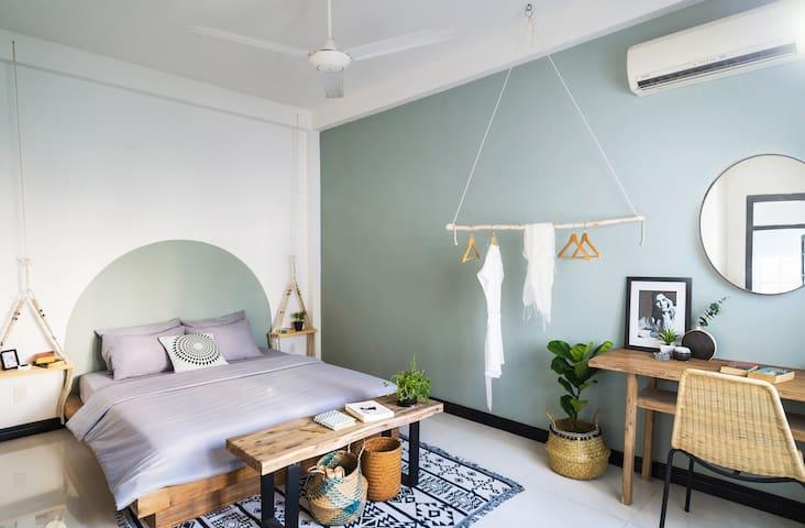 **AYA Homestay-AYANI ROOM-HEART of HCMC-District 1