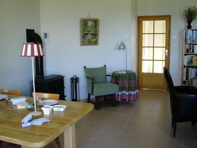 Prachtig gelegen vrijstaand huis  - Marizy - Hus