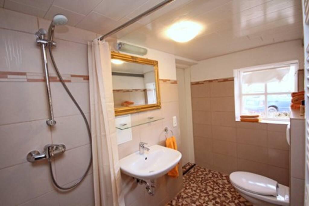 wohnung unter reet reining wohnungen zur miete in. Black Bedroom Furniture Sets. Home Design Ideas