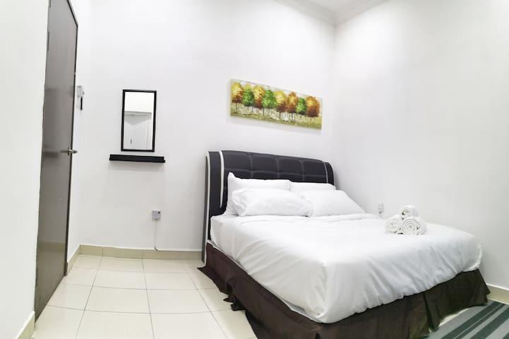 Room 3: Queen Bed- Second Floor- Air conditioned