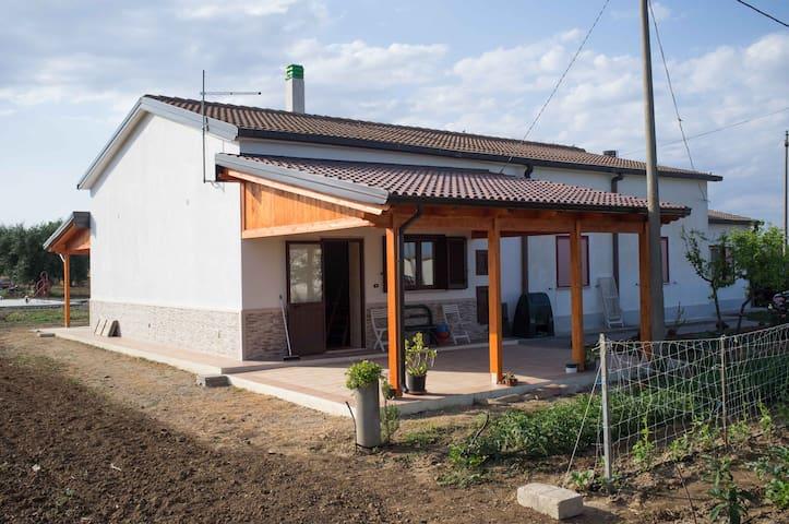 casa in campagna semi indipendente - Marconia - House