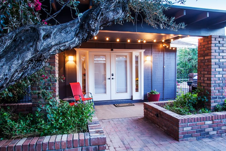 Charming studio guesthouse in Arcadia.