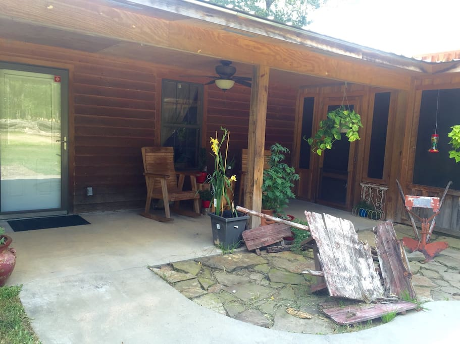 Private country apartment cabins for rent in texarkana for Efficacy apartments