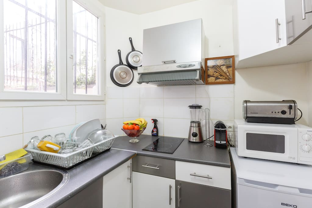Une cuisine entièrement équipée (induction, Nespresso, blender, mixeur...)