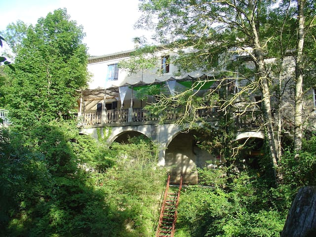 Chambre spacieuse avec sdb privatif - Saint-Julien-en-Quint - Bed & Breakfast