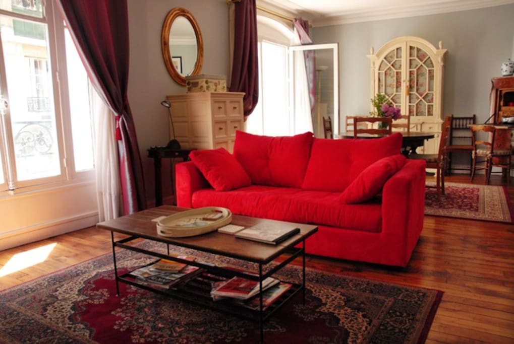 This was originally two rooms but was opened up to provide a grander area to lounge in and is known in France as a 'double sejour'.