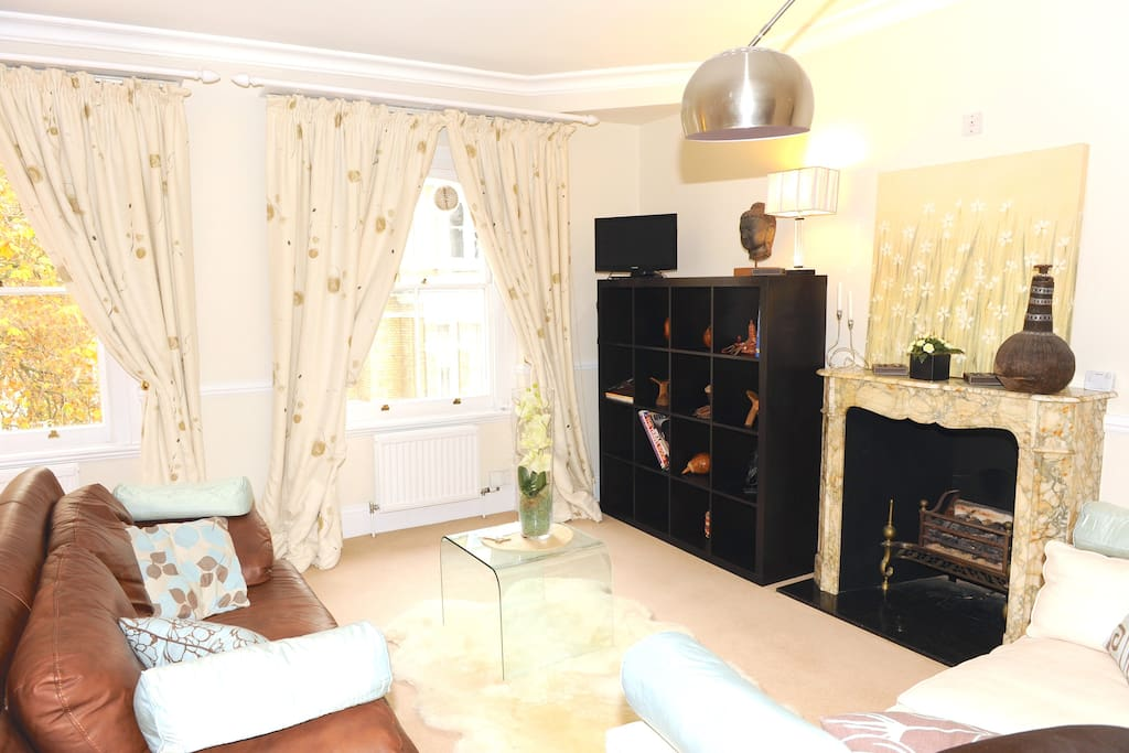 Cosy, luxurious & beautifully furnished sitting room